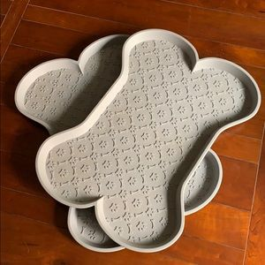 Dog Food and water tray